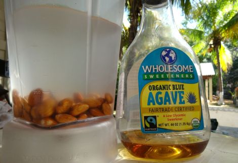 1 cup of almonds, 1 litre of water and a tiny splash of Agave